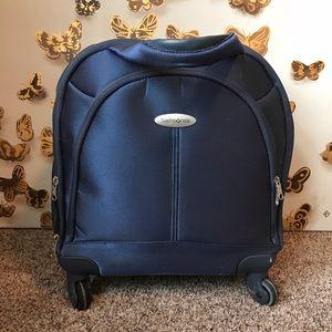 [Samsonite] Swivel Carry On Suitcase